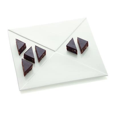 Talíř servírovací WHITE BASICS METRIX 30,5x30,5 cm - trojúhelník, Maxwell & Williams