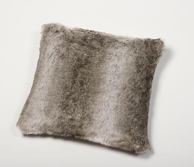 Kožešinový polštář 50x50, vzor medvěd KODIAK, Gözze