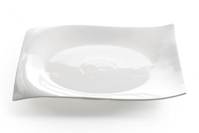Talíř klubový WHITE BASICS MOTION 30x30 cm, Maxwell & Williams