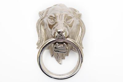 Dekorace - klepadlo na vrata LEV, 38x31cm stříbrné, Sifcon