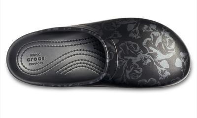 Pantofle SLOANE GRAPHIC CLOG W7 metallic rose/black, Crocs - 2