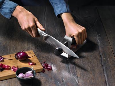 Brousek na nože,WMF - 2
