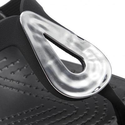 Žabky SANRAH LIQUID METALLIC FLIP W10 silver/black, Crocs - 5