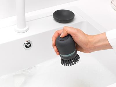 Kartáč na nádobí se zásobníkem na mycí prostředek, tmavě šedá, Brabantia   - 5